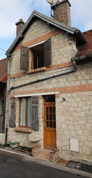 Erlon immobilier : Maison ancienne à finir de rénover