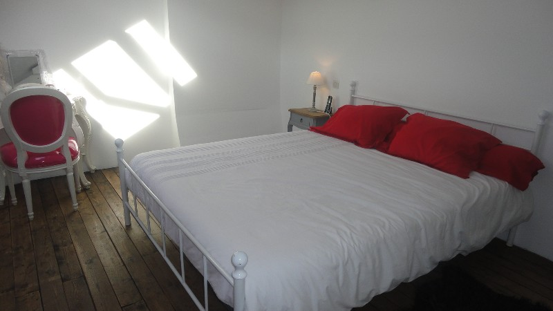 Erlon immobilier chambre mansardée de 17 m² au sol