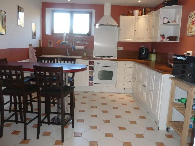 Erlon immobilier : Belle cuisine équipée