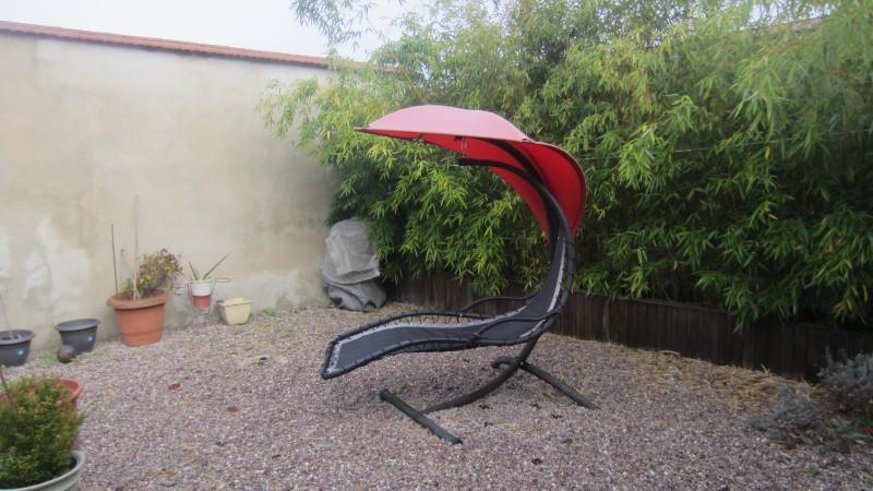 Erlon immobilier : Extérieur : Terrasse + Jardinet