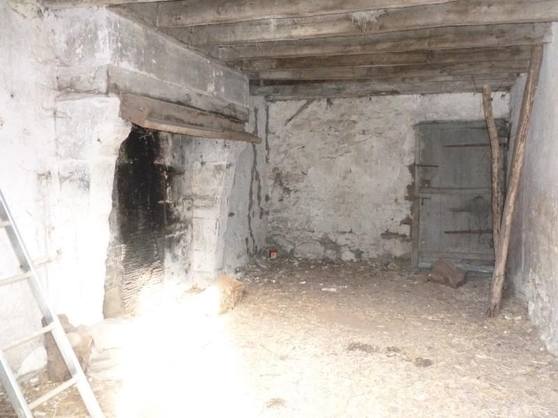 Erlon immobilier : Pièce de 17 m² + grenier
