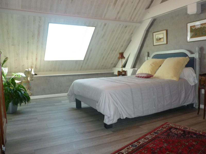 Erlon immobilier : Belle chambre