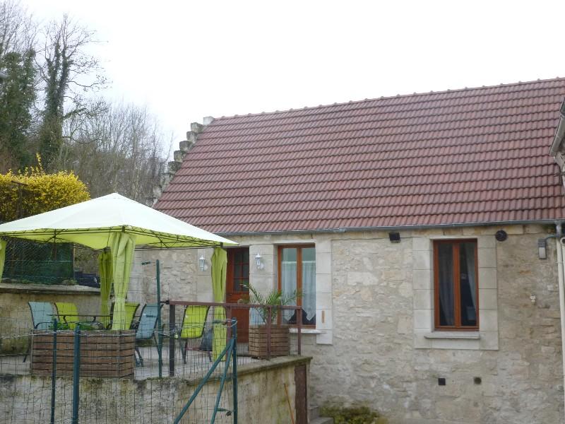 Erlon immobilier : Terrasse + maison