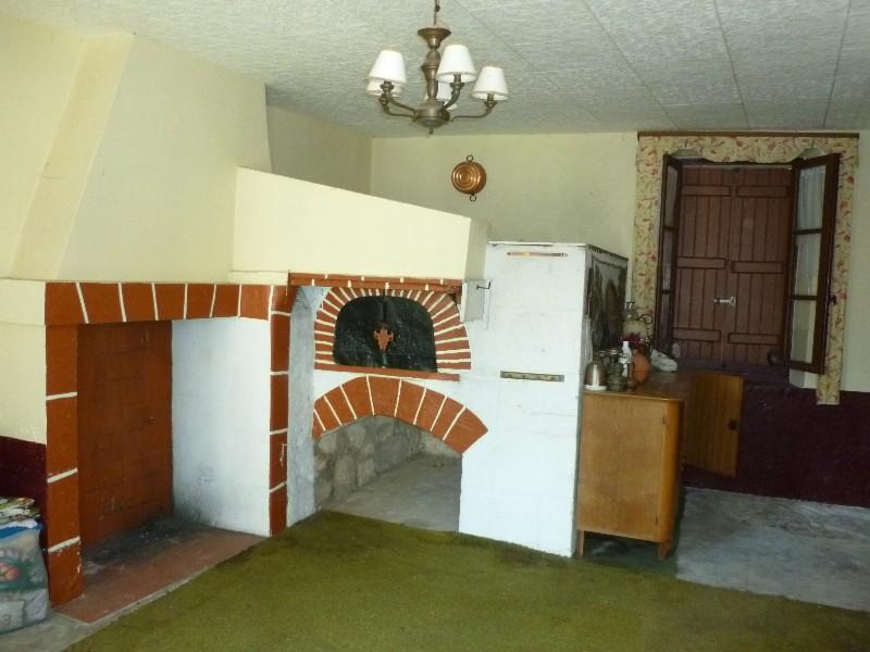 Erlon immobilier : Pièce annexe avec four à pains