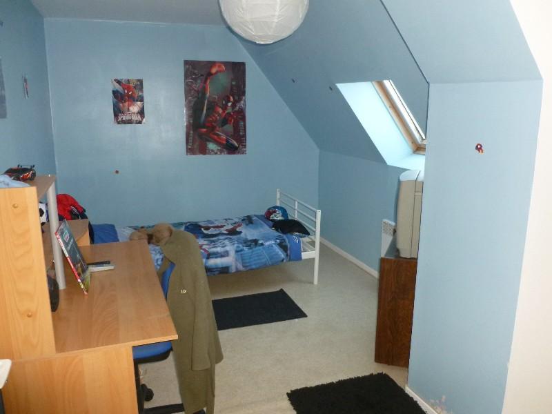 Erlon immobilier : Chambre au 2éme étage