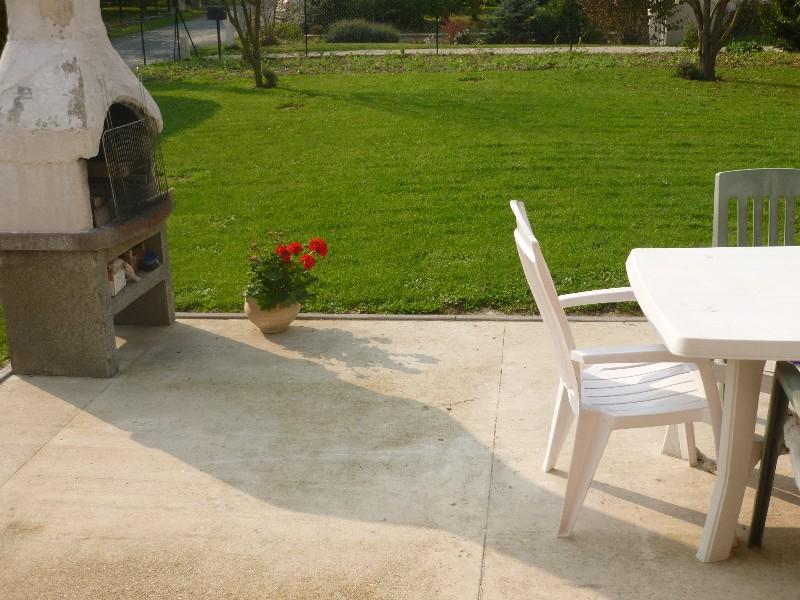 Erlon immobilier : Terrain clos de 785m² avec terrasse