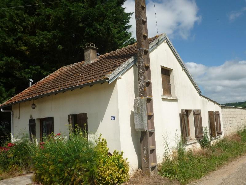 Erlon immobilier : Maison indépendante à rénover