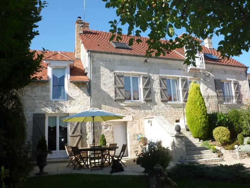 Erlon immobilier : Belle maison en pierre rénovée